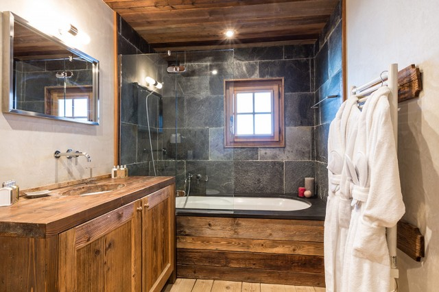 Chalet Baby Bear - Bathroom 1