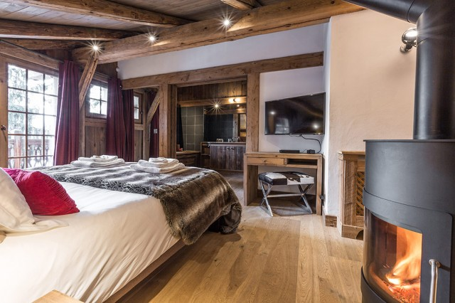 Luxury Chalet Chamonix - Chalet Baloo - Master Bedroom