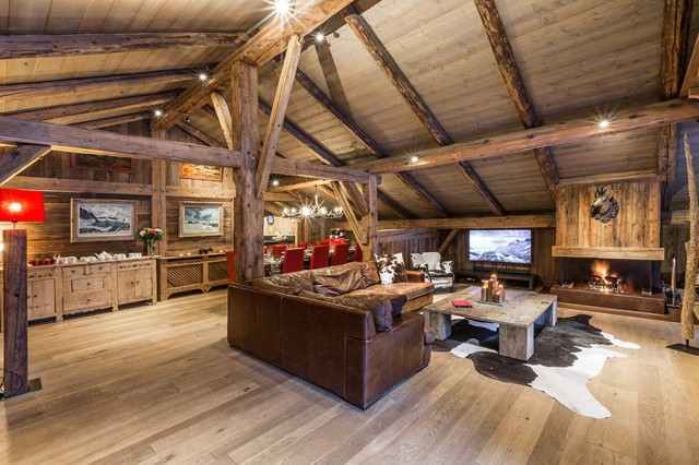 Luxury Chalet Chamonix - Chalet Baloo - Lounge and Dining Area