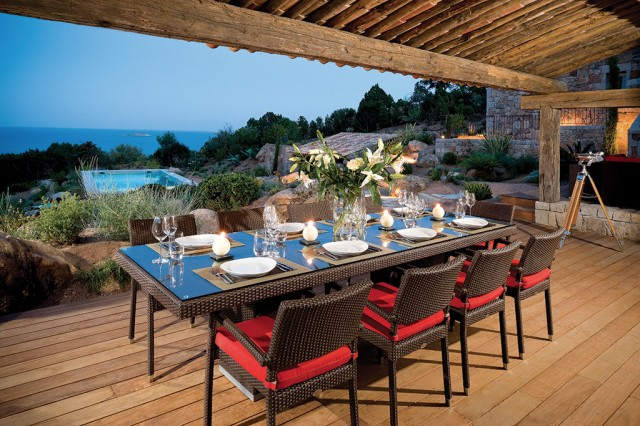 Villa Luna - Dining Outside