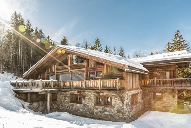 How to choose the best 'luxury ski chalet' for you and your family.